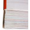 Genaaid gebrocheerd: gevouwen katerns worden met garen aan elkaar genaaid, de holte tussen rug en boekblok wordt met lijm opgevuld