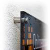Optionele metalen afstandshouders incl. boorgaten in de hoeken bij plexiglas borden (afb. soortgelijk).